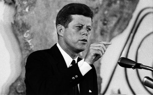 MI_John_F_Kennedy_speech_finger_Getty